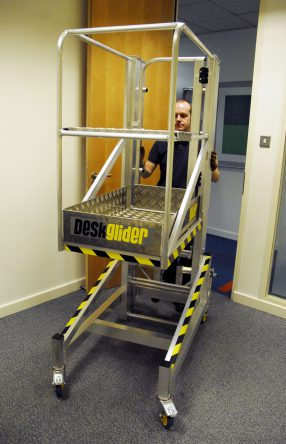 Deskglider low level access platform