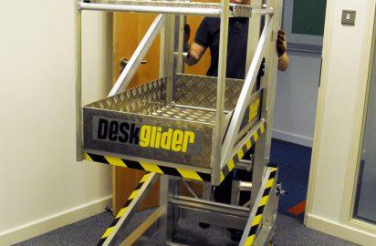 Deskglider low level access platform